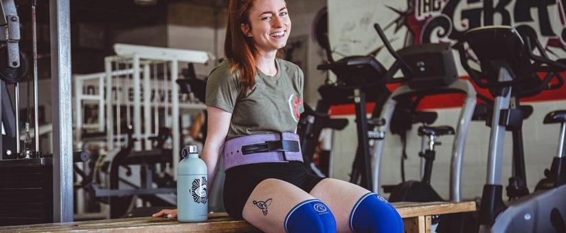 se-remettre-en-forme-apres-une-blessure-femme-dans-salle-de-fitness