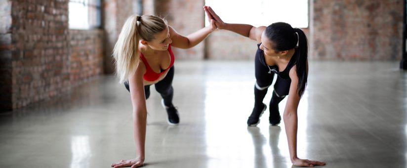 femmes-se-challengeant-en-entrainement